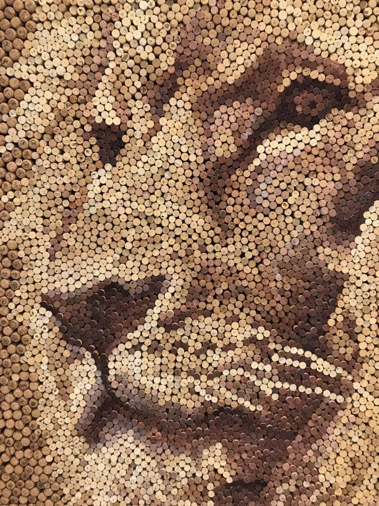 Bilder Und Gesichter Aus Alten Weinkorken Basteln Pinnwand Kork