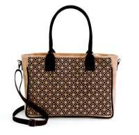 Handtasche aus Korkstoff mit verspieltem Muster kaufen